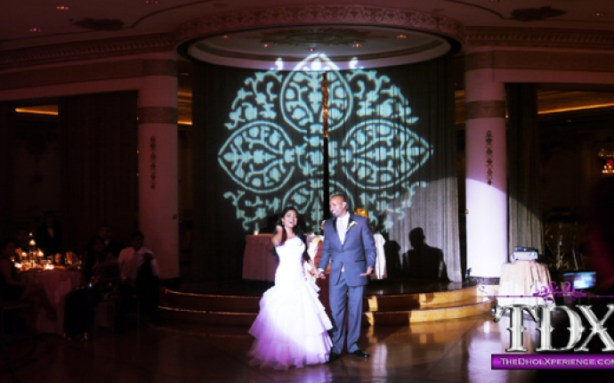 9-TDX-Persian-Gobo-with-Spotlight-on-BG-during-First-Dance